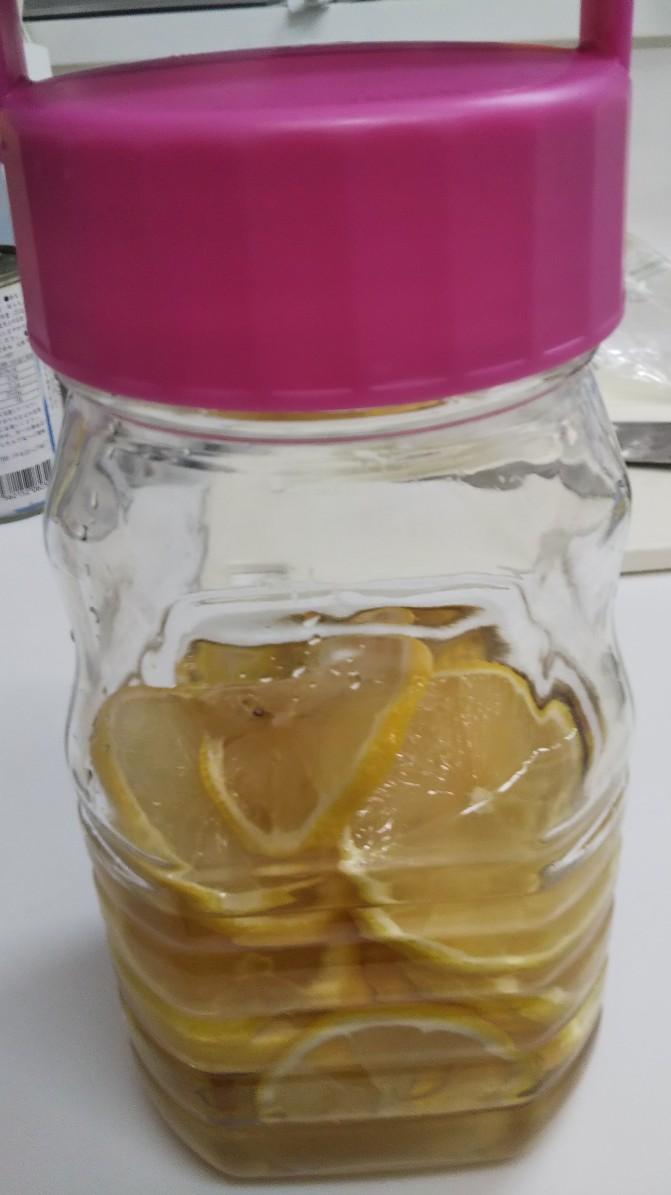 レモネードの素でレモンを漬けてみた
